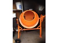 240v 70ltr concrete mixer like brand new only been used for about 8hrs