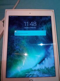 Ipad air 2 32g in white and silver