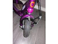 Child's electric razor scooter