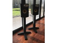 Bowers & Wilkens 686 speakers with stands