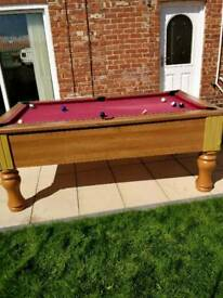 Geordie pool 8 ball competition table