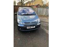 Diesel spacious family car -Citroen Picasso with long MOT