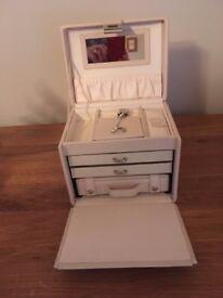 Cream leather jewellery box (Dulwich Designs)