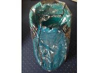 Quinny Dreami Carrycot for buzz/moodd /speedi / Turquoise +Rain cover