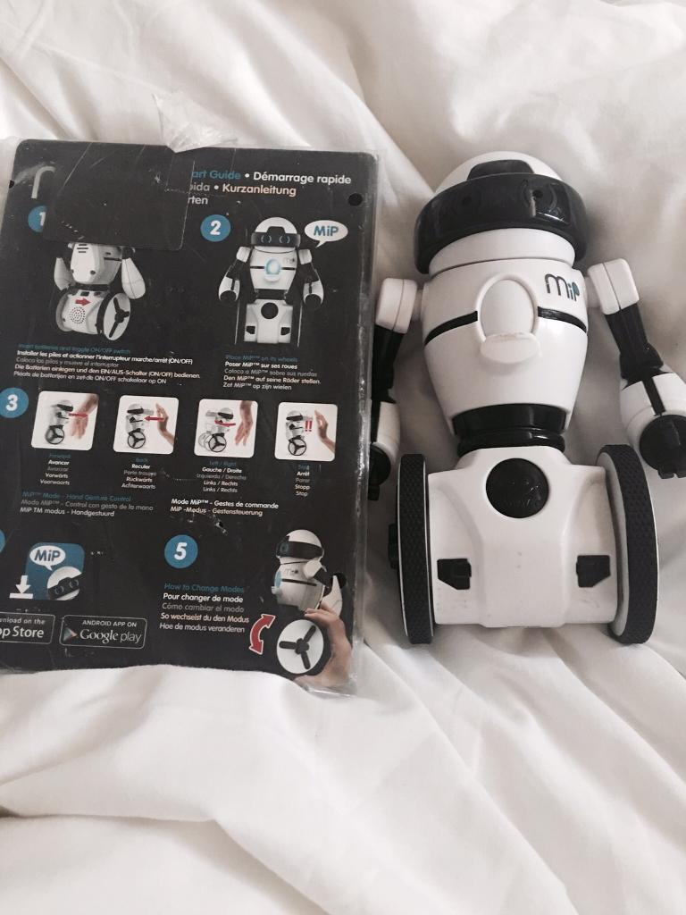 MIP INTERACTIVE ROBOT WITH INSTRUCTIONS
