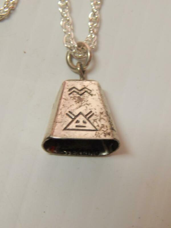 VINTAGE NAVAJO INDIAN PAWN STERLING SILVER MOTHER IN LAW BELL NECKLACE
