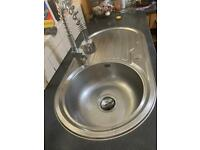KITCHEN SINK AND TAP GOOD CONDITION