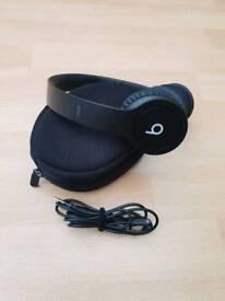 Black Beats Solo HD headphones