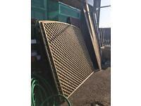 Trellis diamond fence panel