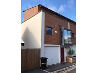 Incredible Modern Townhouse in Totterdown with Garden, Garage, Roof Terrace with views and Balcony