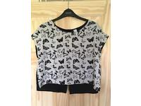 Button back butterfly cropped blouse H&M size 12