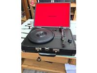 Crosley Cruiser Briefcase Style Vinyl Turntable with Built-In Stereo Speakers excellent condition
