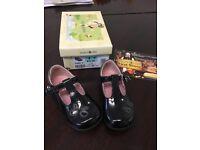 Beautiful black patent girls start rite shoes, as new size 4f worn once