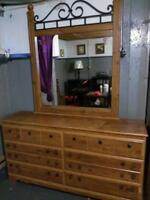 WOMENS DRESER WITH MIRROR AND SIX DRAWERS