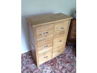 Solid Oak Chest Of Drawers - Very good condition