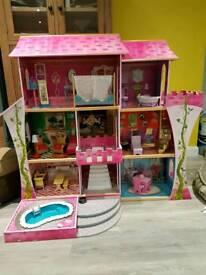 Kidcraft Dolls house.