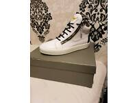 Giusipee kriss size 8 high top white