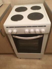 Washing machine and fridge freeze 6 months old cooker brand new £150
