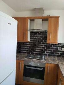3 rooms flat,no living room.10 min Stratford:Close Liverpool Street stn,Bethnal Green stn,Old Street