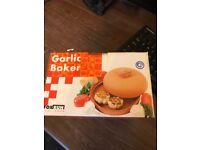 Garlic baker