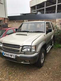 Isuzu trooper 3.0 diesel SWB spares or repairs