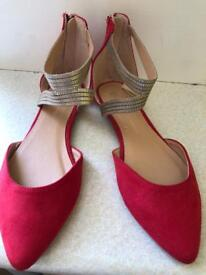 Ladies flat shoe