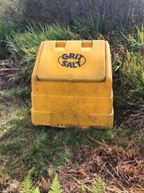 Grit salt container