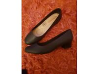 Navy Piccaldilly Shoes - Size 5