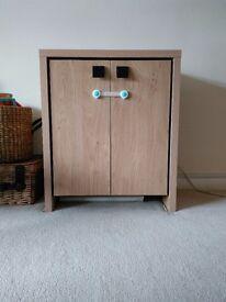 Cabinet/cupboard