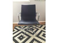 Cool vintage offic chair