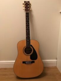 Acoustic guitar - Yamaha