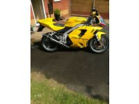 Triumph Daytona 955i may px family car
