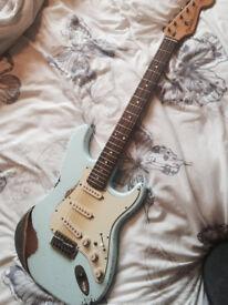 Fender/Squier Stratocaster hybrid Sonic Blue Heavy Relic