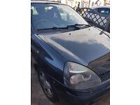 Renault clio dynamique 16v black