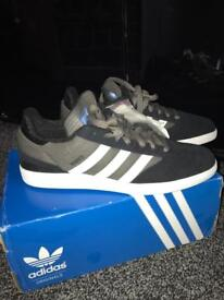 Men's New Adidas Trainers.