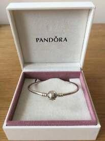 Pandora bangle 17cm