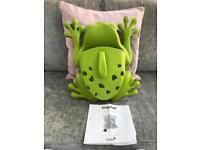Boon Frog Pod baby bath caddy for bath toys