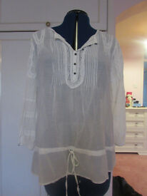 Principles white cotton/silk vintage style top Size 14 Excellent condition