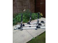 Altera roof cycle carrier for three bikes
