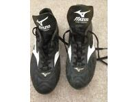 Mizuno Rugby boots. Size 9.