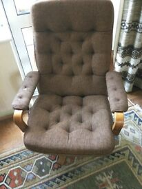 Vintage 1970's swivel chair.
