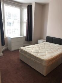 Large Room Available To Rent Now