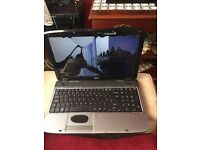 Acer 5740 i3,250gb hdd,4gb ram laptop BROKEN SCREEN
