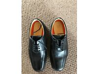 M&S men Leather Lace-up office Shoes with Airflex™ extra wide fit UK size 8