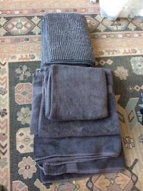 3 towels and bath matt
