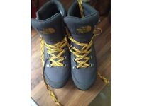 North face Berkeley boots- grey and yellow retro, modern style- worn once.