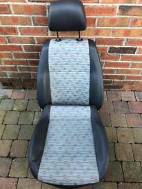 Volkswagen Caddy seats
