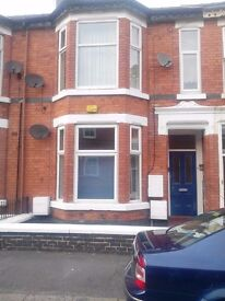 3 bed 1st floor flat to let ( no fees just rent and deposit)