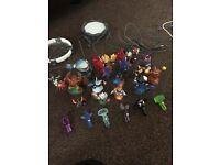 Sky landers figures, games and portal bundle