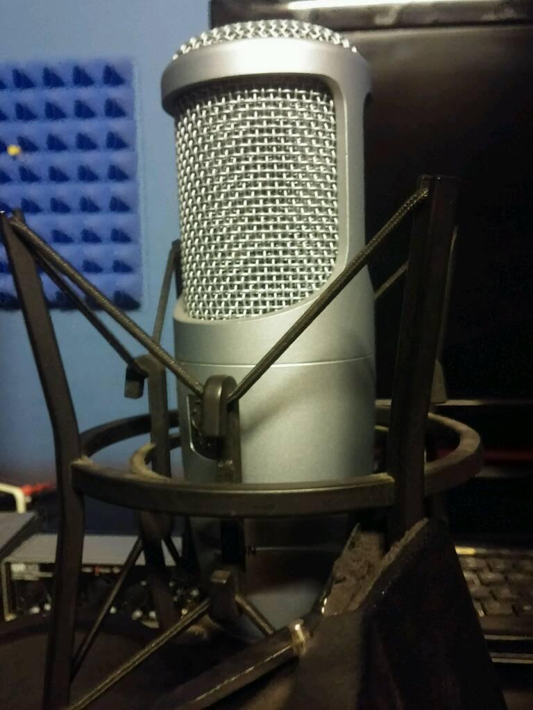 AKG Perception Microphone Condenser Large Diaphragm